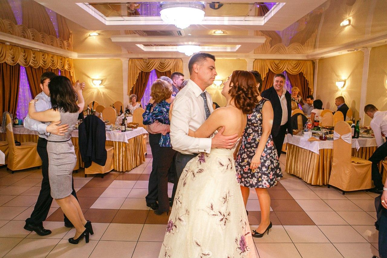 Сценарий золотой свадьбы для тамады с конкурсами