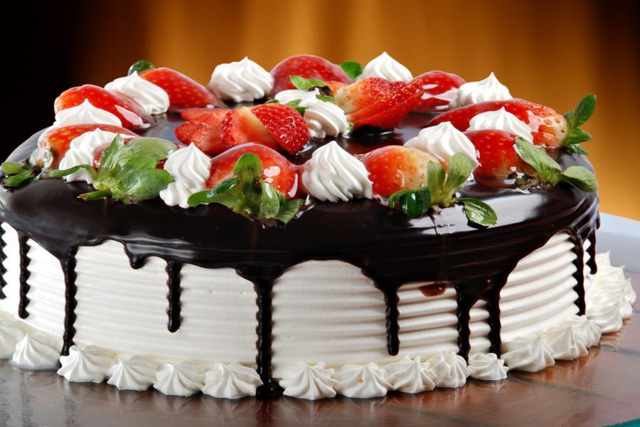 Правила монтажа праздничных тортов