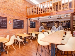Native Speakers Cafe / NS Cafe