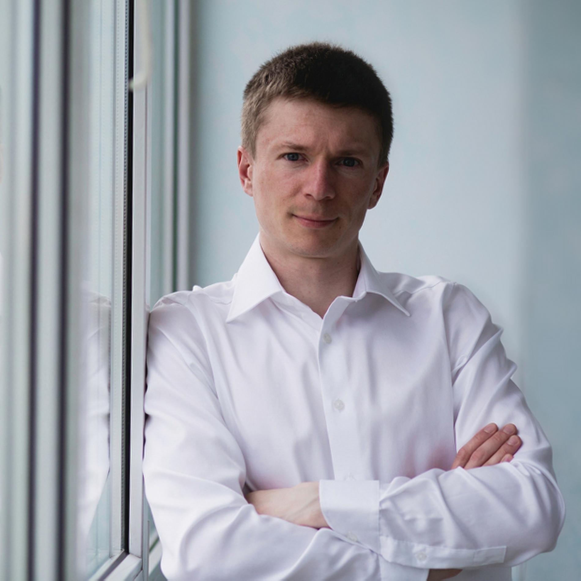 Максим Варно
