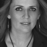 Елена Жарова