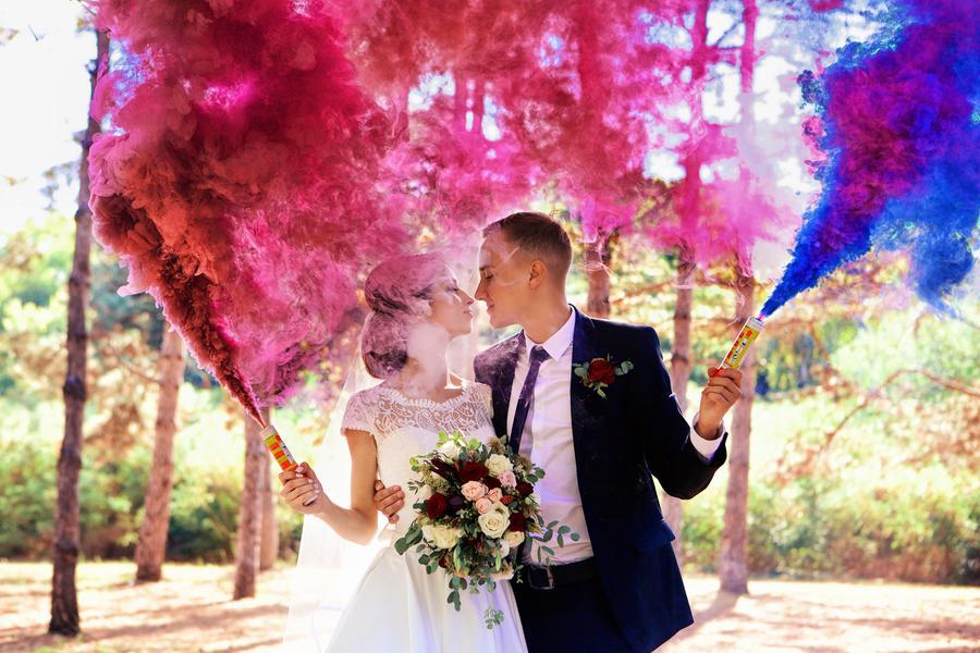 разноцветная свадьба фото пигментом искусственную или